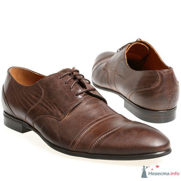 Коричневые модельные кожаные  мужские туфли со шнурками