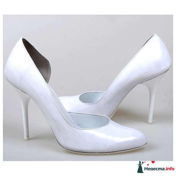 Белые лаковые туфли на шпильке. - фото 104609 Kwinto-shoes - cвадебная обувь