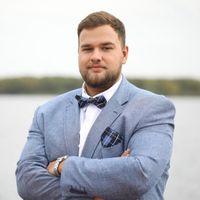 Ведущий Иван Сорокин