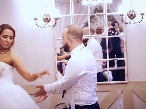 Четыре свадьбы за одну минуту