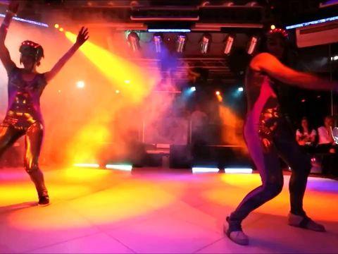 Танцевальный светодиодный номер 4 минуты